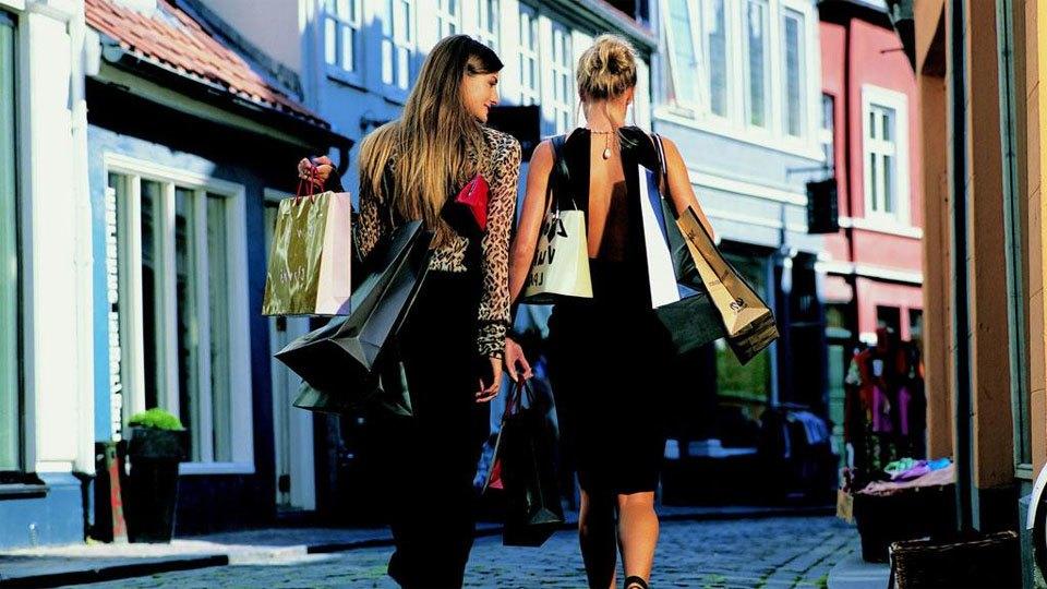 consigli acquisti moda e abbigliamento in negozio